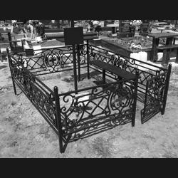 Огорожі на кладовище